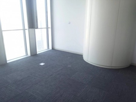 郑州地标 绿地中心双子塔200平精装全套家具朝南采光极佳