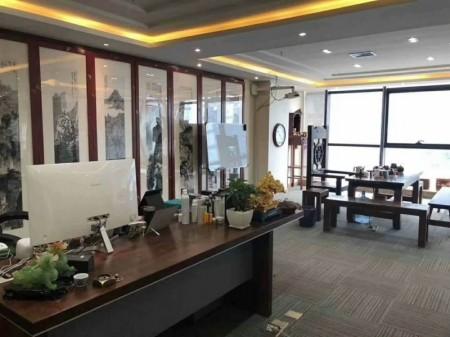 郑东新区高铁站凯利国际楼精装带家具300平高档写字楼出租