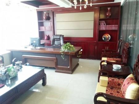 雅宝东方国际广场208平精装全套家具低价出租