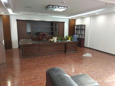 环境优美 建业总部港700平精装全套家具出租