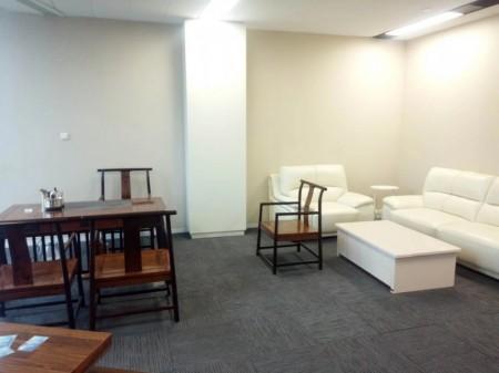 郑州地标 绿地中心双子塔 417平精装带家具低价出租